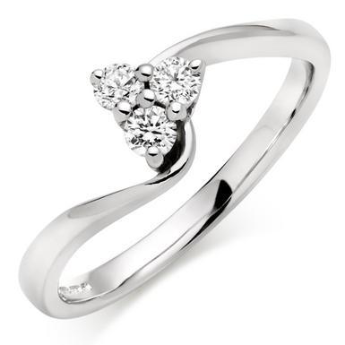 9ct White Gold Diamond Cluster Twist Ring