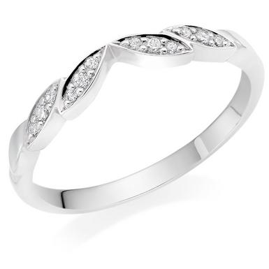 18ct White Gold Diamond Shaped Wedding Ring